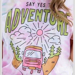 Say yes to Adventure women tee